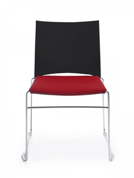 Sitz gepolstert, Rückenlehne aus Kunststoff, Kufengestell, Konferenzstuhl Ariz von Profim